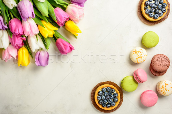 Virágcsokor tulipánok fehér felső kilátás gyönyörű Stock fotó © markova64el