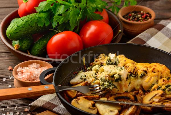 Gebakken kipfilet gevuld spinazie kaas groenten Stockfoto © markova64el