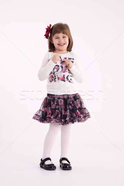 Nina preescolar modelo falda flor pelo Foto stock © maros_b