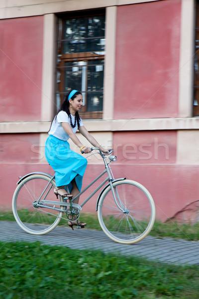 Retro menina velho bicicleta mulher turquesa Foto stock © maros_b