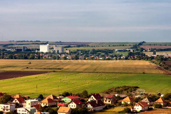 Krajobraz domów pola jesienią domu Zdjęcia stock © maros_b