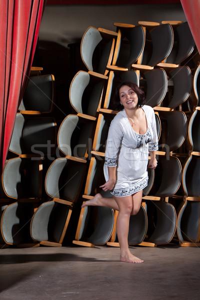 Giovani attrice fase piedi teatro donne Foto d'archivio © maros_b