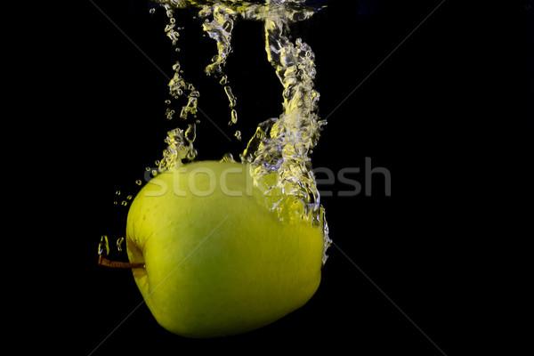 Zöld alma fotó citromsárga csobbanás izolált Stock fotó © maros_b