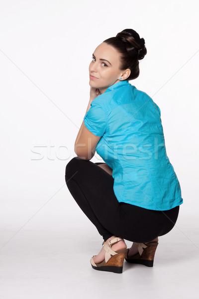 Mulher jovem interessante penteado turquesa camisas preto Foto stock © maros_b
