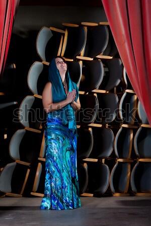 üzücü aktris genç bayan kırmızı elbise ayakta Stok fotoğraf © maros_b