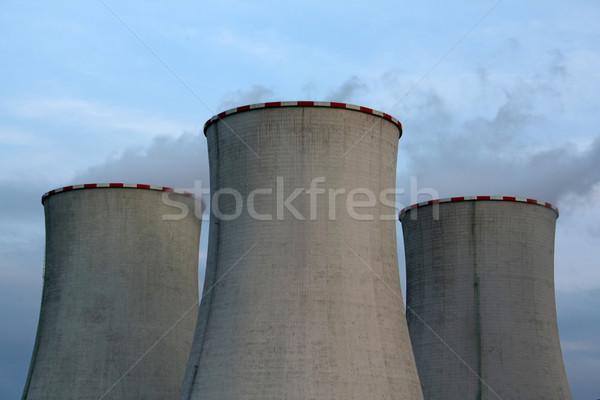 Soğutma towers duman mavi endüstriyel enerji Stok fotoğraf © martin33