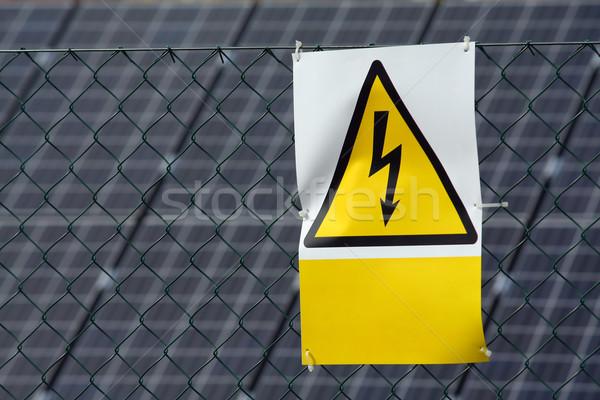 Alta tensão assinar tecnologia industrial energia poder Foto stock © martin33