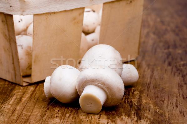 Fraîches champignon panier bois santé restaurant Photo stock © marylooo