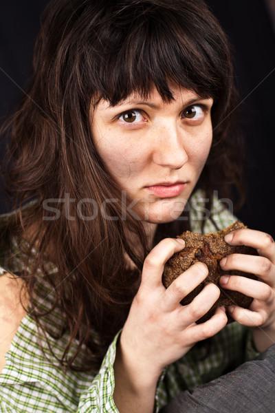 Mendiant femme pièce pain portrait pauvres Photo stock © marylooo