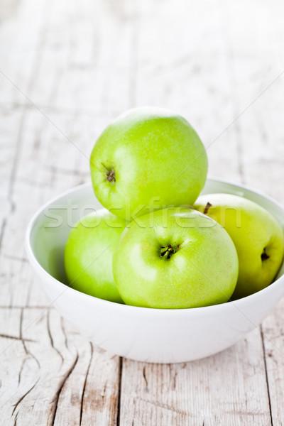 Maduro verde manzanas tazón alimentos Foto stock © marylooo