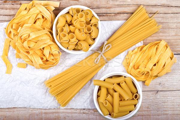 Сырые спагетти
