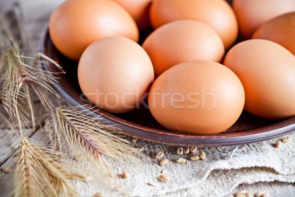 新鮮な ブラウン 卵 プレート クローズアップ リネン ストックフォト © marylooo