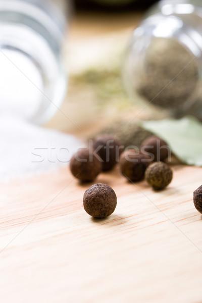 Spezie pepe foglie primo piano legno sfondo Foto d'archivio © marylooo