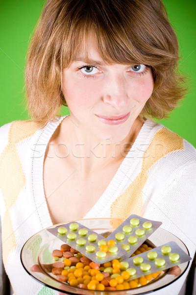 女性 錠剤 肖像 緑 目 ストックフォト © marylooo