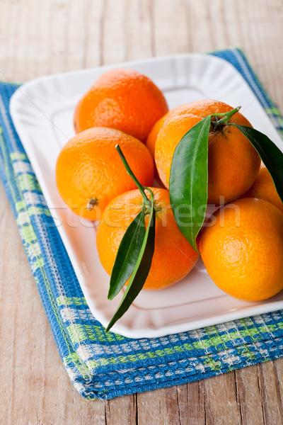 Stok fotoğraf: Yaprakları · plaka · ahşap · gıda · yaprak · meyve
