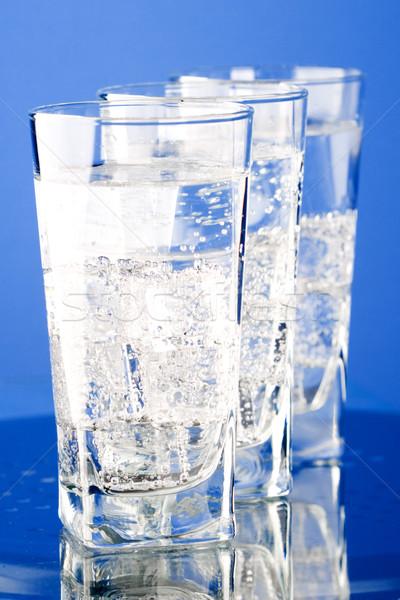 Foto stock: Tres · gafas · frío · agua · azul · vidrio