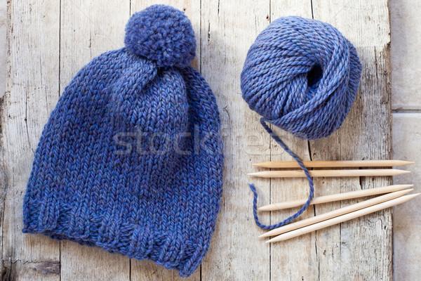 Wol Blauw hoed naalden garen Stockfoto © marylooo