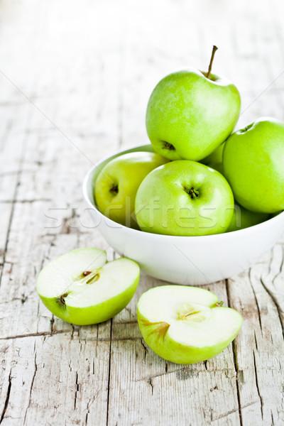 érett zöld almák tál közelkép rusztikus Stock fotó © marylooo