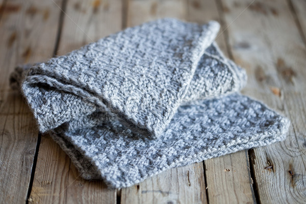 編まれた グレー スカーフ 木製 背景 冬 ストックフォト © marylooo