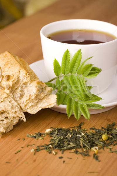 Csésze teáscsésze tea gyógynövények kenyér tányér Stock fotó © marylooo