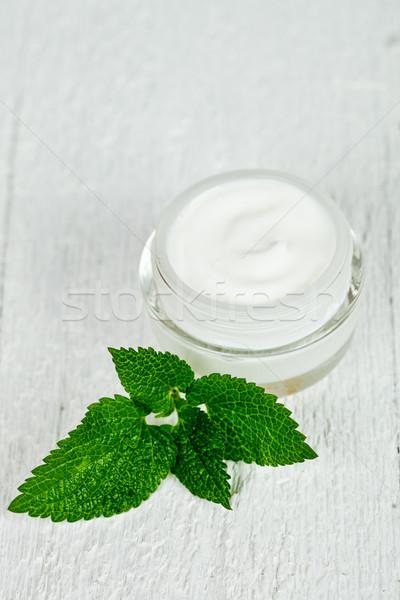 ガラス jarファイル 緑色の葉 白 木製 ストックフォト © marylooo