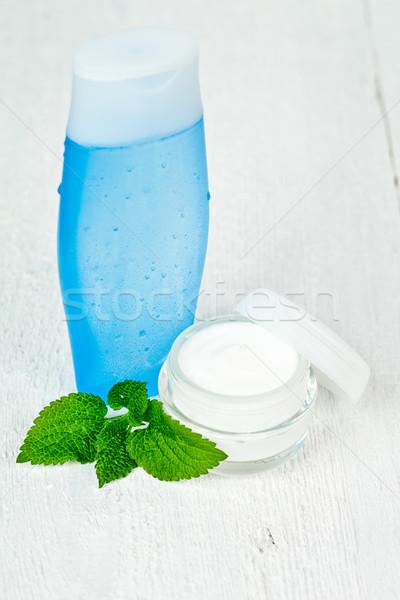 Loción hojas primer plano blanco Foto stock © marylooo