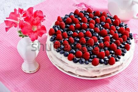 сливочный Sweet торт шоколадом кремом черника Сток-фото © MarySan
