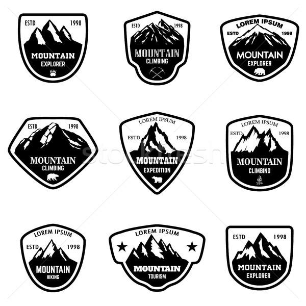 Establecer montana turismo senderismo logo Foto stock © masay256