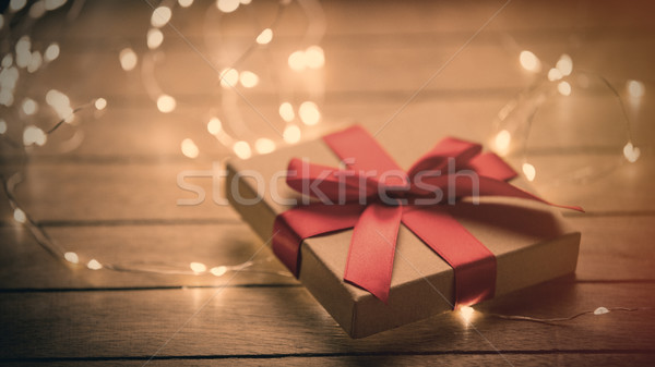 Belle cute cadeau guirlande merveilleux Photo stock © Massonforstock