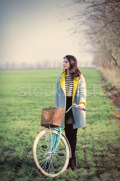 красивой сидят велосипед замечательный зеленый Сток-фото © Massonforstock