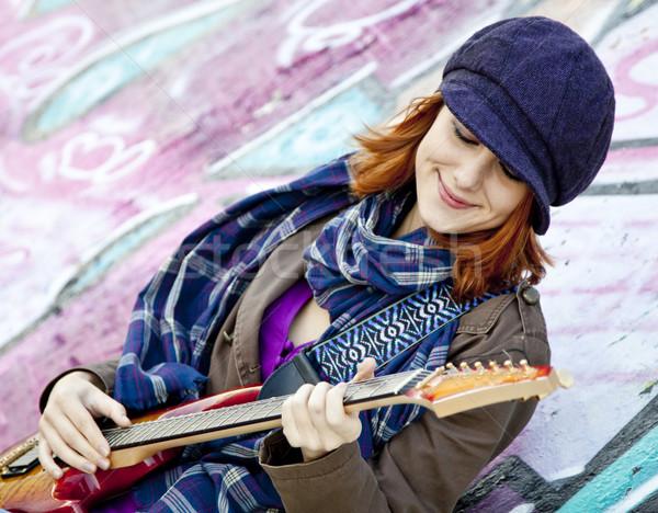 Portret gelukkig jong meisje gitaar graffiti Stockfoto © Massonforstock