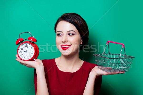 Kadın sepet çalar saat portre genç mutlu Stok fotoğraf © Massonforstock