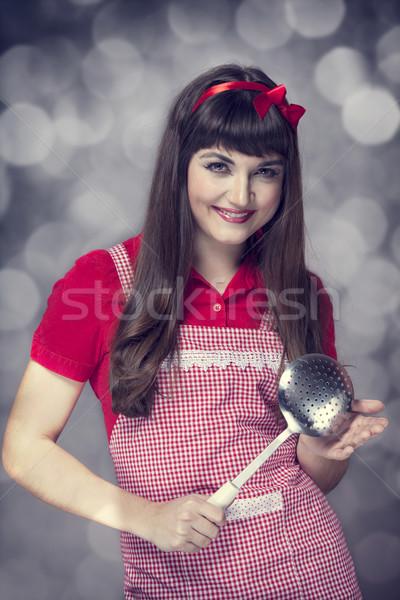 Brunetka gospodyni domowa zupa chochla moda domu Zdjęcia stock © Massonforstock