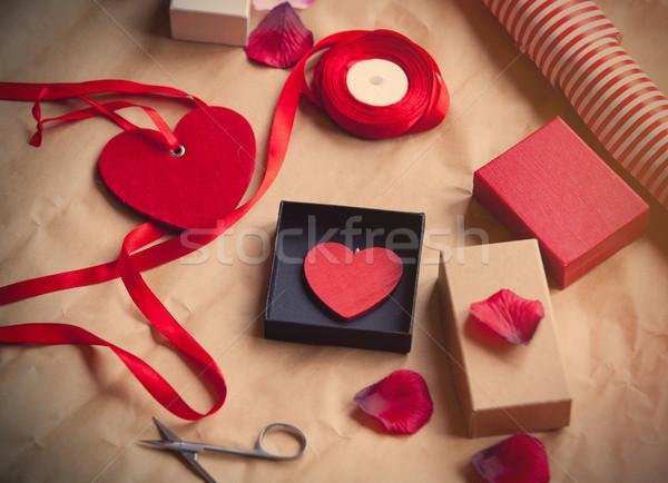 красивой вещи упаковка замечательный грубая оберточная бумага закрывается Сток-фото © Massonforstock