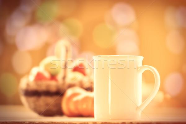 Foto stock: Abóbora · cesta · maçãs · copo · café · chá
