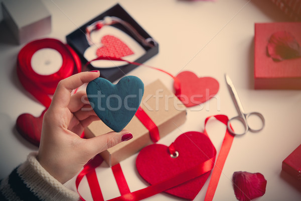 Blanche main coeur Photo stock © Massonforstock