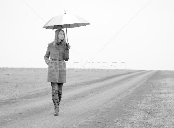 Stock fotó: Magányos · lány · esernyő · vidéki · út · fotó · öreg