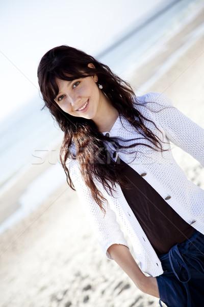 Stockfoto: Mooie · jonge · vrouw · permanente · strand · meisje · model