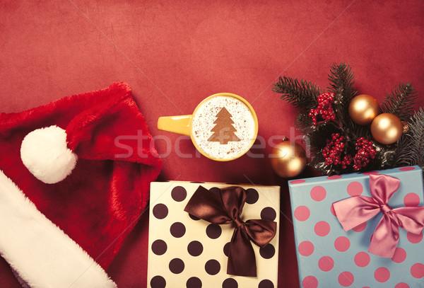 Cappuccino cadeaux tasse arbre de noël forme rouge Photo stock © Massonforstock