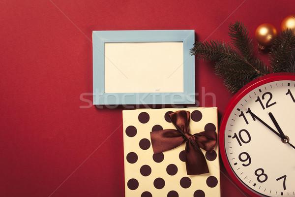 Enorme relógio presentes árvore de natal ramo photo frame Foto stock © Massonforstock