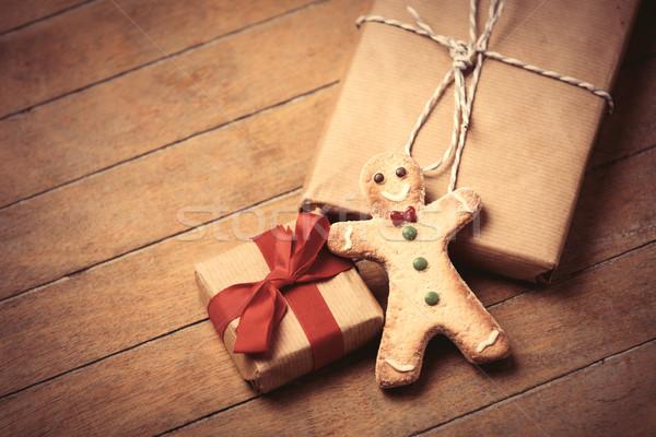 Hediyeler gingerbread man güzel harika kahverengi ahşap Stok fotoğraf © Massonforstock