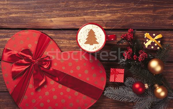 Cappuccino cadeaux tasse arbre de noël forme arbre de pin Photo stock © Massonforstock