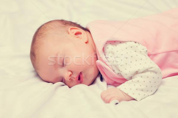 Сток-фото: мало · ребенка · спальный · кровать · лице · мальчика