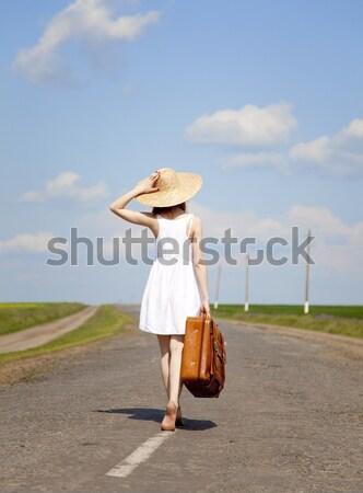 Stock fotó: Magányos · lány · bőrönd · vidéki · út · nők · természet