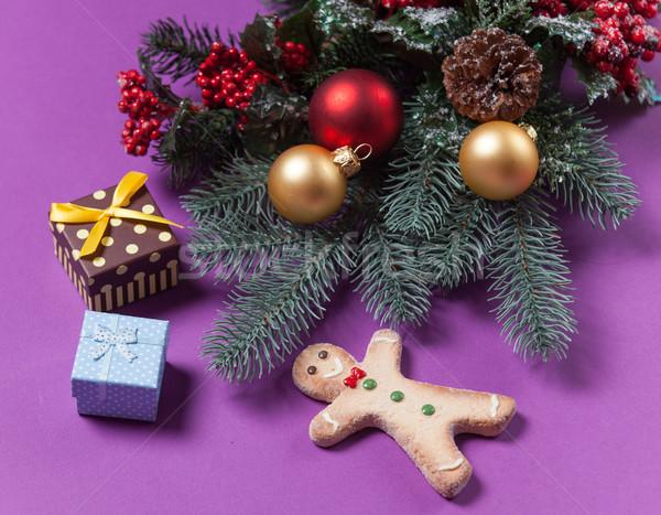 Gingerbread man Noël cadeaux violette arbre rouge Photo stock © Massonforstock