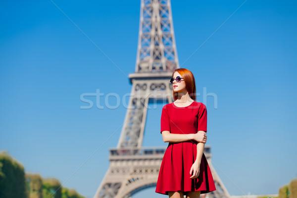 Güzel genç kadın Eyfel Kulesi Paris Fransa güzellik Stok fotoğraf © Massonforstock