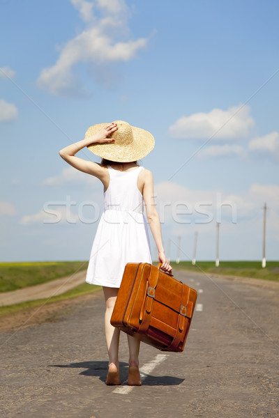 Solitaire fille valise femmes nature Photo stock © Massonforstock
