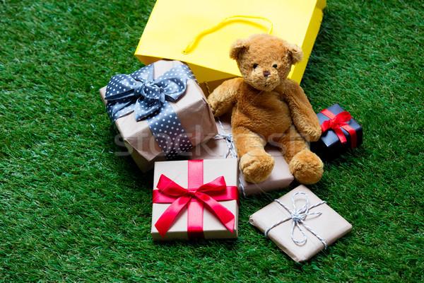 корзина мишка подарки желтый Cute небольшой Сток-фото © Massonforstock
