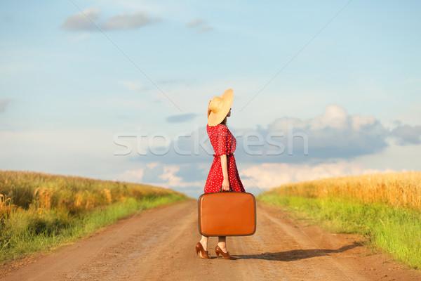 赤毛 少女 スーツケース 屋外 女性 ファッション ストックフォト © Massonforstock