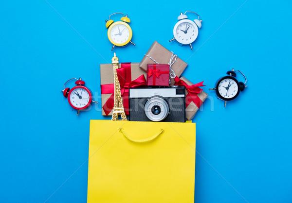 Eyfel Kulesi oyuncak kamera hediyeler alışveriş çantası Stok fotoğraf © Massonforstock
